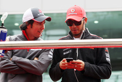 Sergio Perez, Sauber with Lewis Hamilton, McLaren on the drivers parade