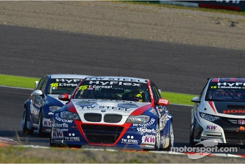 Tom Coronel, BMW 320 TC, ROAL Motorsport, Alberto Cerqui, BMW 320 TC, ROAL Motorsport and Tiago Monteiro, Honda Civic Super