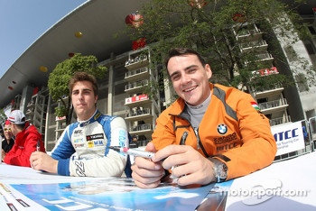 Pepe Oriola, SEAT Leon WTCC, Tuenti Racing Team and Norbert Michelisz, BMW 320 TC, Zeng Motorsport
