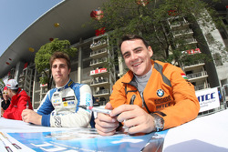 Pepe Oriola, SEAT Leon WTCC, Tuenti Racing Team and Norbert Michelisz, BMW 320 TC, Zengˆ Motorsport