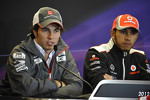 Sergio Perez, Sauber, Lewis Hamilton, McLaren Mercedes