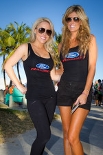 NASCAR Championship Drive in South Beach: charming Ford Racing girls