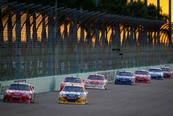 Tony Stewart, Stewart-Haas Racing Chevrolet, Jeff Burton, Richard Childress Racing Chevrolet