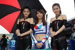 Grid Girl and  Yokohama girls