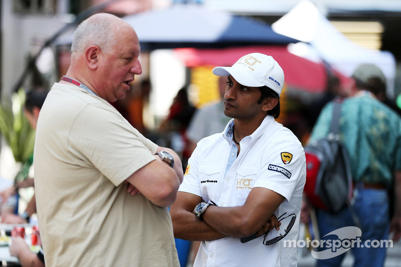 Dieter Rencken, Journalist with Narain Karthikeyan, Hispania Racing F1 Team