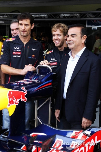Red Bull Racing announce Infiniti as a title sponsor for 2013, Red Bull Racing; Sebastian Vettel, Red Bull Racing; Carlos Ghosn, CEO Renault-Nissan