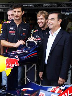 Red Bull Racing announce Infiniti as a title sponsor for 2013, Red Bull Racing; Sebastian Vettel, Red Bull Racing; Carlos Ghosn, CEO Renault-Nissan
