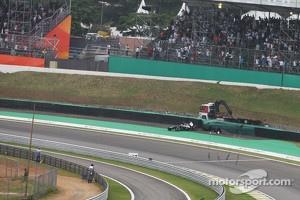 Pastor Maldonado, Williams crashes out of the race