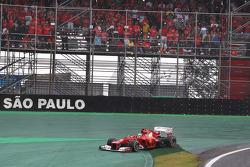 Fernando Alonso, Ferrari runs wide