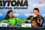 danica-patrick-stewart-haas-racing-chevrolet-and-tony-stewart-stewart-haas-racing-chevro-5