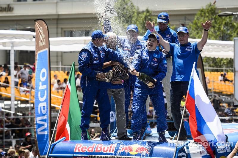 Truck winners Eduard Nikolaev, Sergey Savostin, Vladimir Rybakov
