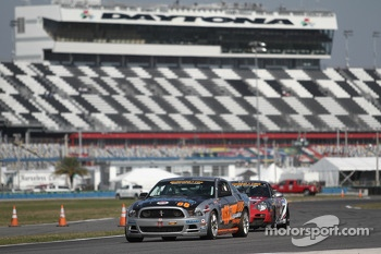#68 Capaldi Racing Mustang Boss 302R GT: Craig Capaldi, John Yarosz 
