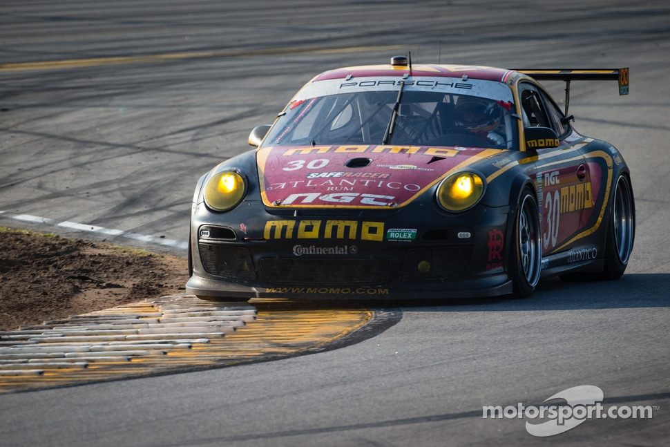 #30 MOMO/NGT Motorsport Porsche GT3: Jakub Giermaziak, Henrique Cisneros, Sean Edwards, Patrick Pilet