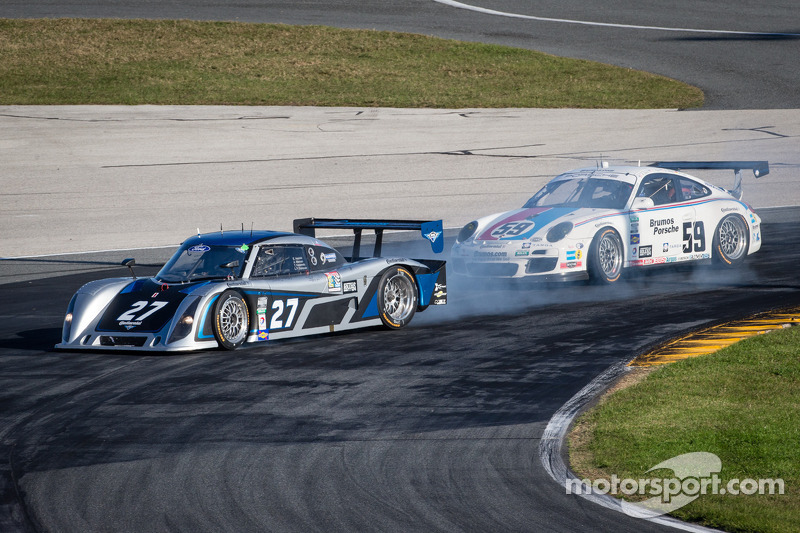 #27 BTE Sport Ford Riley: Emmanuel Anassis, Anthony Massari, Tonis Kasemets, Louis-Philippe Dumoulin gets loose