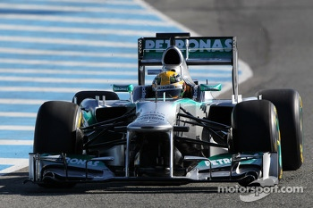 Lewis Hamilton, Mercedes AMG F1 W04 has his first run