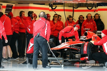 Max Chilton, Marussia F1 Team in the pits