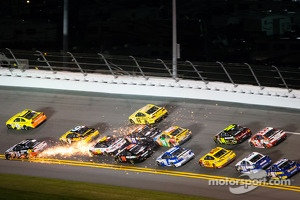 Tony Stewart, Stewart-Haas Racing Chevrolet gets loose