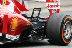 Fernando Alonso, Ferrari F138 rear suspension
