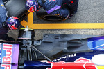 Red Bull Racing pracice pit stops / Red Bull Racing RB9 exhaust and rear suspension detail