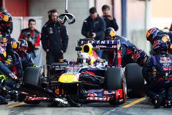 Sebastian Vettel, Red Bull Racing RB9 practices pit stops