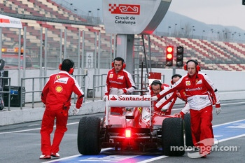 Felipe Massa, Ferrari F138 stops at the pit lane exit and is recovered by the team