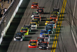 NASCAR-TRUCK: Johnny Sauter and Ty Dillon battle for the lead