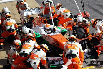 Adrian Sutil, Sahara Force India VJM06 practices pit stops