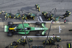 Charles Pic, Caterham CT03 practices a pit stop