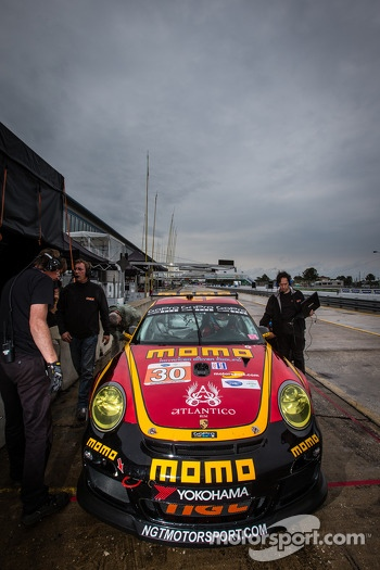 #30 NGT Motorsport Porsche 911 GT3 Cup: Henrique Cisneros, Christian Engelhart, Sean Edwards