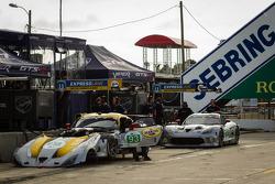 #93 SRT Motorsports SRT Viper GTS-R: Jonathan Bomarito, Tommy Kendall, Kuno Wittmer, #91 SRT Motorsports SRT Viper GTS-R: Ryan Dalziel, Dominik Farnbacher, Marc Goossens