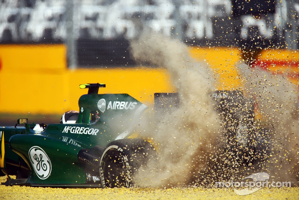Giedo van der Garde, Caterham CT03 in the gravel trap in the second practice session