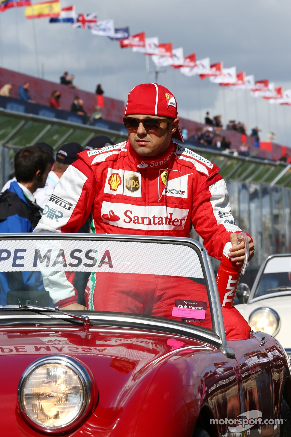 http://cdn-7.motorsport.com/static/img/mgl/1500000/1520000/1525000/1525400/1525457/s1_1.jpg