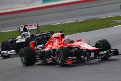 Max Chilton, Marussia F1 Team MR02 leads Valtteri Bottas, Williams FW35