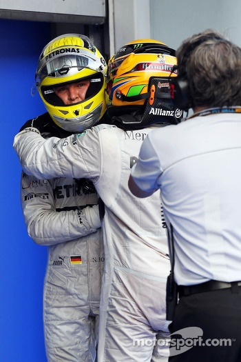 Fourth place Nico Rosberg, Mercedes AMG F1 with third place team mate Lewis Hamilton, Mercedes AMG F1 in pfe