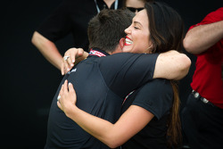 Victory circle: Michael Andretti celebrates with wife Jodi Ann Paterson