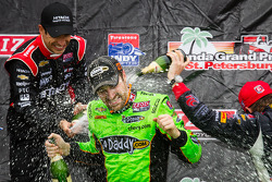 Podium: champagne for James Hinchcliffe, Andretti Autosport Chevrolet, Helio Castroneves, Team Penske Chevrolet, Marco Andretti, Andretti Autosport Chevrolet