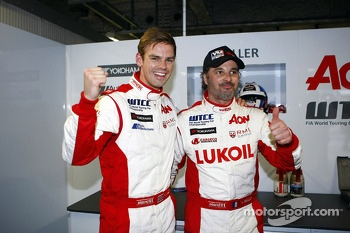 2nd position Tom Chilton, Chevrolet Cruze 1.6 T, RML and Yvan Muller, Chevrolet Cruze 1.6T, RML pole position