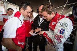 Pole winner Marcel Fässler with Benoit Tréluyer, Oliver Jarvis and Dr. Wolfgang Ullrich