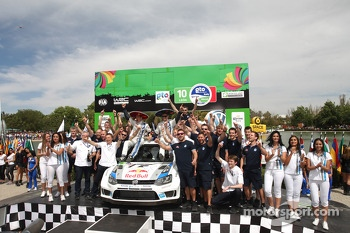 Podium, Sebastien Ogier, Julien Ingrassia, Volkswagen Polo WRC