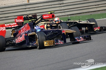 Jean-Eric Vergne, Scuderia Toro Rosso  and Romain Grosjean, Lotus F1 Team