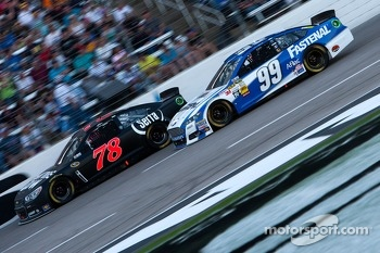 Kurt Busch, Furniture Row Racing Chevrolet and Carl Edwards, Roush Fenway Racing Ford