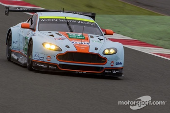 #97 Aston Martin Racing Aston Martin Vantage V8: Stefan Mucke, Bruno Senna, Darren Turner