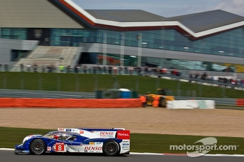 #8 Toyota Racing Toyota TS030-Hybrid: Anthony Davidson, Sebastien Buemi, Stphane Sarrazin