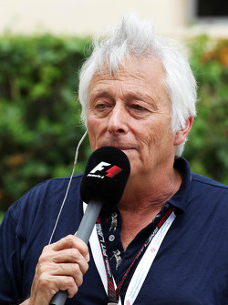 Bob Constanduros, Journalist and Circuit Commentator