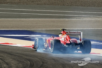 Felipe Massa, Ferrari F138 locks up under braking