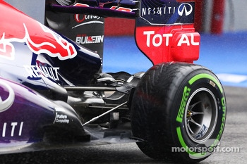 Sebastian Vettel, Red Bull Racing rear suspension and rear wing detail