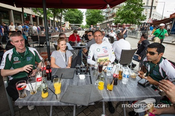 Mark Patterson and Karun Chandhok have lunch