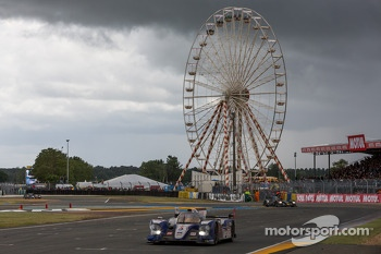 Rain resumes during the final minutes of the race