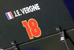 Jean-Eric Vergne, Scuderia Toro Rosso STR8 sign