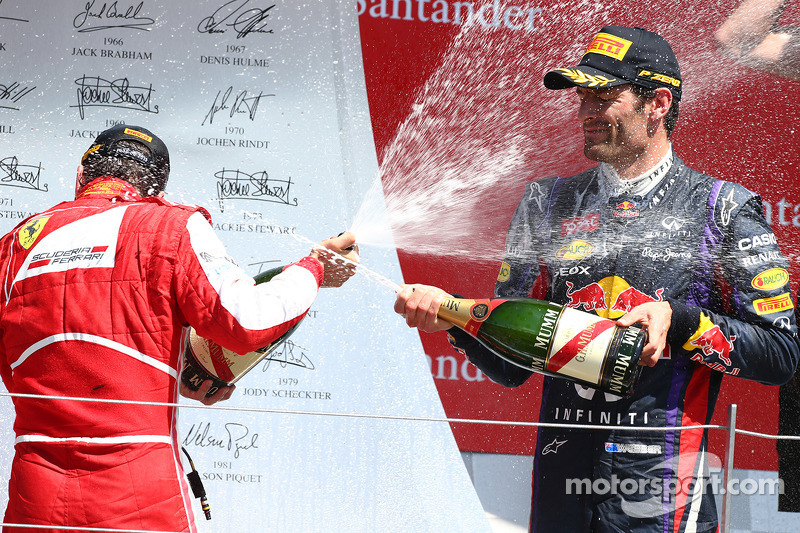 Fernando Alonso, Ferrari F138 and Mark Webber, Red Bull Racing